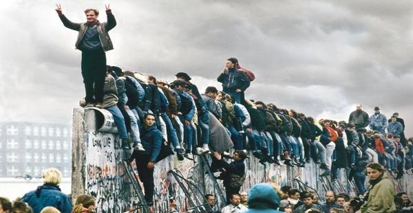 fue-derribado-el-muro-de-berlin-600x310.jpg