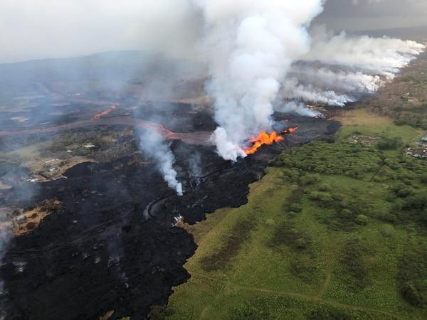 2018-05-22t171429z_1641951906_rc1ff7e00ac0_rtrmadp_3_hawaii-volcano