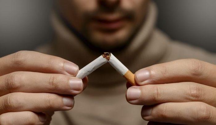 c2bfpor-que-es-malo-el-tabaco-hombre-rompe-cigarrillo