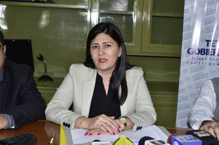 catalina-ocampos-presidenta-de-la-comision-nacional-de-salario-minimo-_860_573_1631198