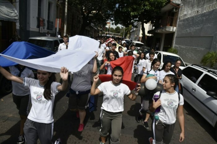 la-marcha-sera-como-una-clase-civica-para-los-estudiantes-_860_573_1651851